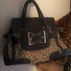 Authentic Gucci Monogram Queen Gold Bow Handbag